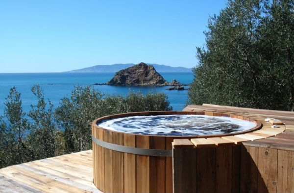 Rustic Hot Tub with Cedar Wooden Hot Tubs