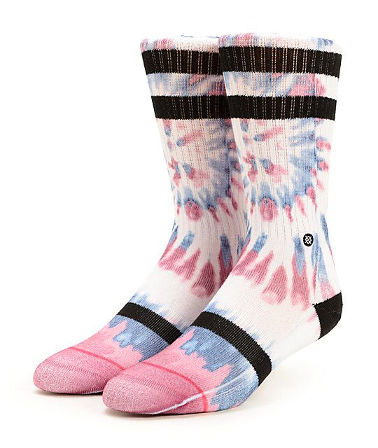 Treat your feet to some radical style with the tie dye and stripe design, while the soft blended construction and arch support offer unbeatable comfort.