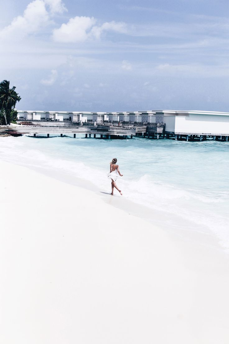 Catch me if you can, Amilla Fushi, Maldives: http://www.ohhcouture.com/2016/06/monday-update-22/ #ohhcouture #leoniehanne