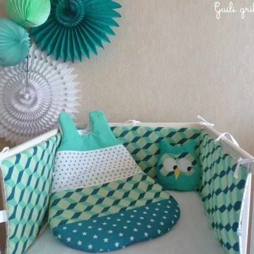 les 74 meilleures images du tableau tour de lit bebe sur pinterest lit bebe tour de lit b b. Black Bedroom Furniture Sets. Home Design Ideas