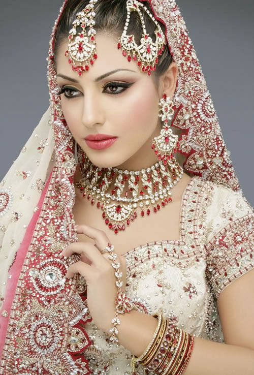 Bollywood Glamour ~  Stunning selection of Bridal wear and designs from India. The colours and vibrancy are stunning.