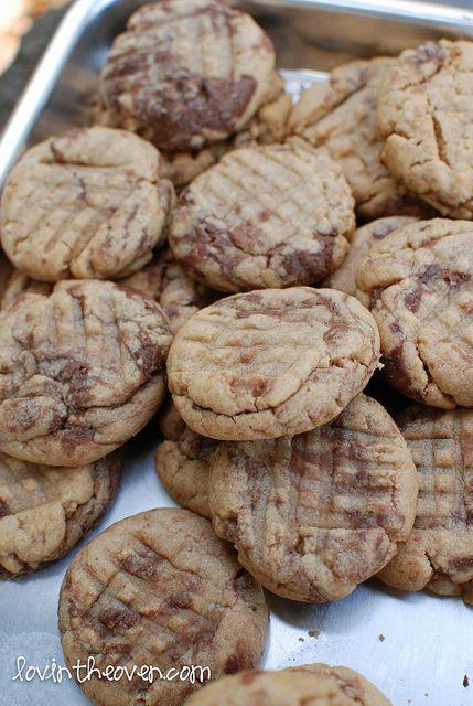 Peanut butter & Nutella Swirl Cookies: Almonds Butter, Desserts, Peanuts, Swirls Cookies, Nutella Swirls, Recipes, Nutella Cookies, Peanut Butter Cookies, Peanut Butter Nutella