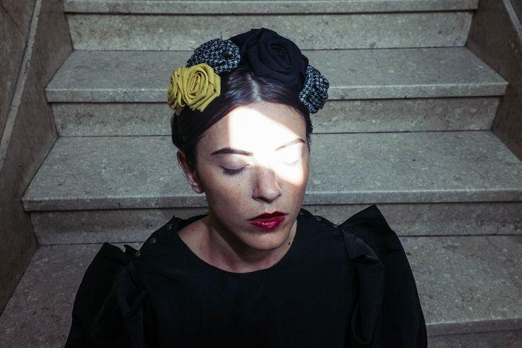Turbanti alla moda e fasce per capelli: Flapper si ispira a Louise Bourgeois - Flapper presenta la nuova collezione di turbanti e fasce per la FW15, mai così alla moda e mai così trendy, tra sartorialità e arte. - Read full story here: http://www.fashiontimes.it/2015/10/turbanti-alla-moda-e-fasce-per-capelli-flapper-si-ispira-a-louise-bourgeois/