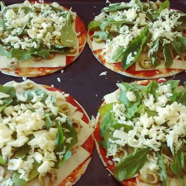 Pizza #glutenfree con chorizo y rucula