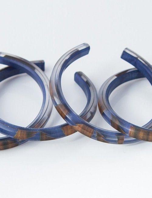 Blueberry rosewood bangle. Upcycled jewelry. Moda sostenible.