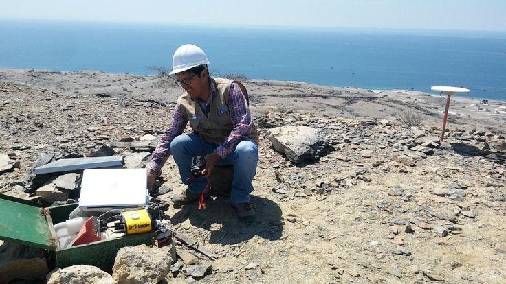 """CdMx.- Científicos del Instituto de Geofísica (IGf) de la UNAM y de la Universidad de Kioto instalan una red sismo-geodésica en el fondo oceánico, en la llamada """"brecha sísmica"""", que se extiende de…"""