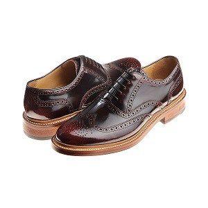 Scopri il processo Goodyear  Inventata da Charles Goodyear, e adattata nel 1869 da suo figlio alle moderne tecniche di produzione, ancora oggi è considerata una delle migliori tecniche per la costruzione di calzature.