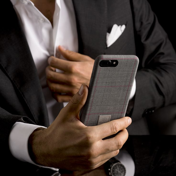 Revested iPhone 7 Plus Case - Prince of Wales. Made with the finest fabrics for tailor made suits, Revested cases dress your iPhone in classic style and sophistication. The iconic fabric is 100% Made in Italy and it's crafted to perfectly fit every smartphone detail for a superior style.