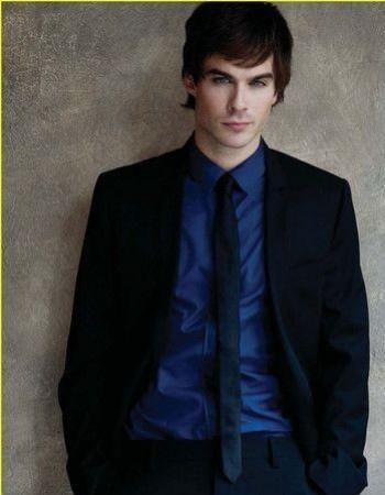 Какую рубашку и галстук одеть под чёрный костюм