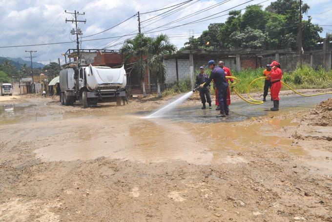 Gobierno nacional y regional continúan atendiendo emergencia en Morón