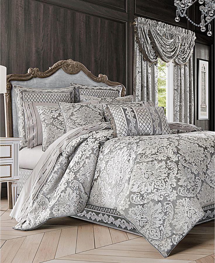 J Queen New York Bel Air 4Pc. Silver King Comforter Set