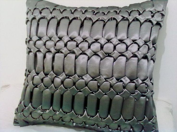 capa de almofada em tafetá, Oxford ou cetim. Pode ser feita em outras cores.