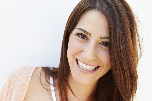 Smile Makeovers – Bright Teeth and Bright Future https://comfortdentalcentrebuderim.com.au