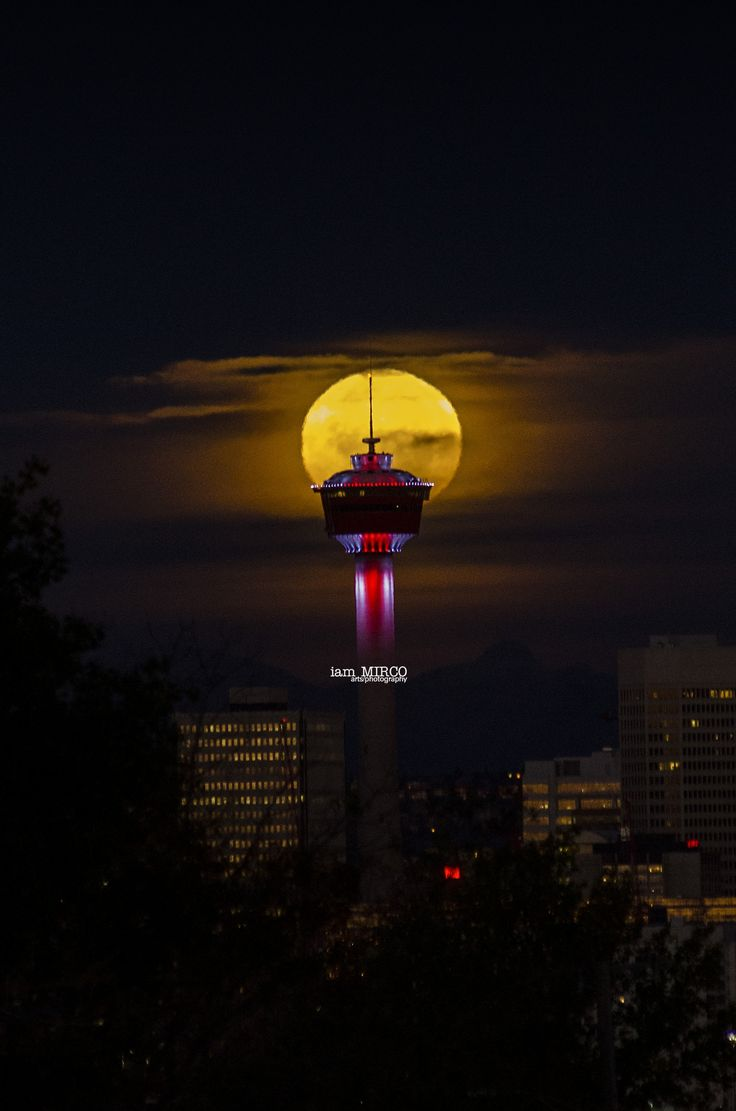 https://flic.kr/p/LRkaD5 | Tower with the Moon | Calgary