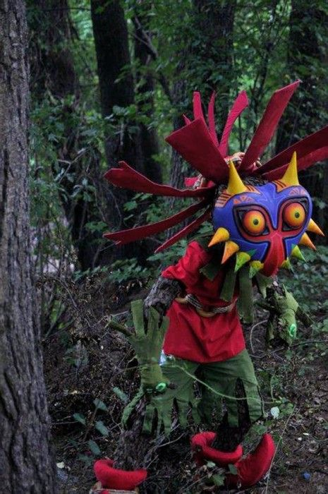 Skull-Kid cosplay from The Legend of Zelda: Majora's Mask: Legends Of Zelda Cosplay, Cosplay Skull, Masks Kids, Xskull Kids, Life Lik Skull, Skullkid Cosplay, Skull Kids Cosplay, Kids Costumes, Major Masks