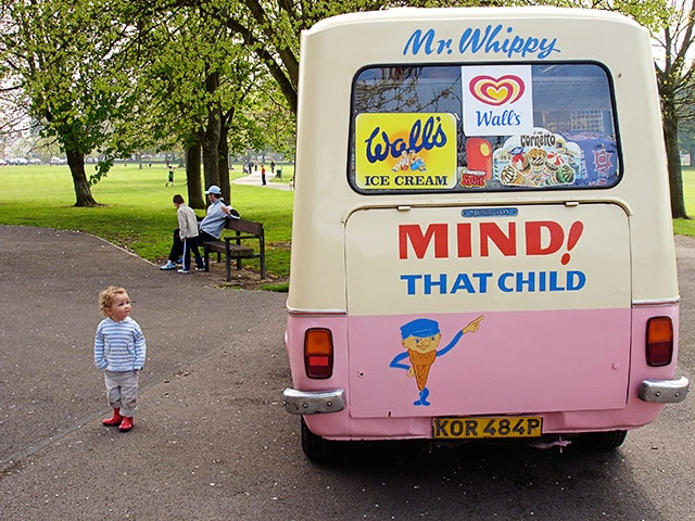 mr. whippy ice cream van
