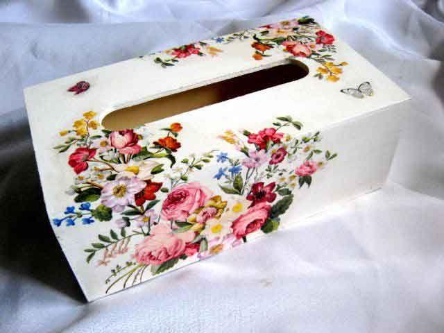 #Cutie din #lemn pentru #serveţele de #hârtie, cutie cu #design de #buchet de #flori şi #fluturi / #Wooden #box for #paper #napkins, box with design of #flowers and #butterflies / #종이 #냅킨 #용 #나무 #상자, #꽃과 #나비 #디자인의 #상자 http://handmade.luxdesign28.ro/produs/cutie-din-lemn-pentru-servetele-cutie-buchet-de-flori-si-fluturi-29345/