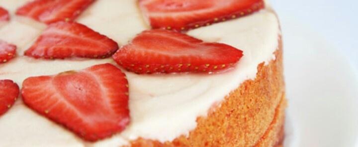 Duncan Hines Strawberry Supreme Pound Cake