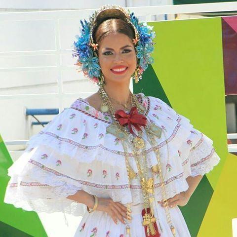 @Regrann from @genearjona -  La experiencia más linda que he pasado en mi vida...❤ #milpollerastvn  #happiness  #barbiegene #Panamá #goodvibes - #regrann