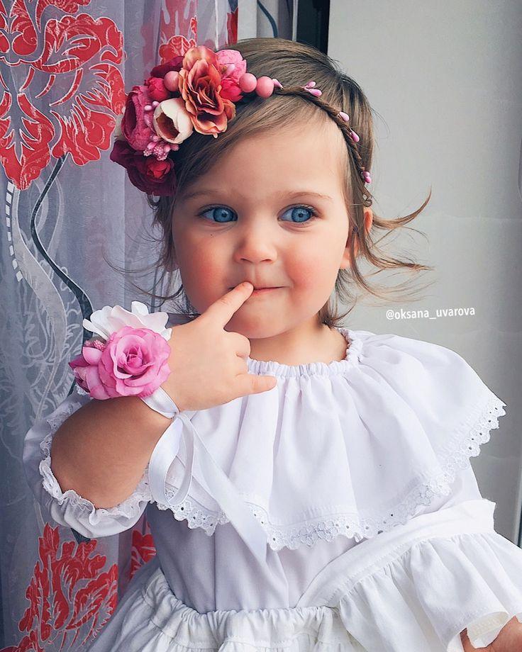 Чтобы порадовать маленькую дочку и себя, подарите ей красивый аксессуар на голову, который можно надеть с праздничным платьем. Такой подарок дочке на день рождения купить недорого можно у нас. Вашему вниманию в нашем интернет магазине предлагается множество аксессуаров для малышек, а также и для мамочек.  Заказывайте только стильные и оригинальные украшения 🌸🌸🌸 Задать вопрос или сделать заказ можно по телефону +7 (985)2882278! Для Вашего удобства пишите в What'sApp, Viber, Telegram 📩…