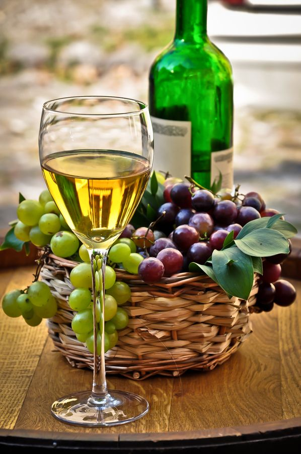 Drinkin' wine and killin' time
