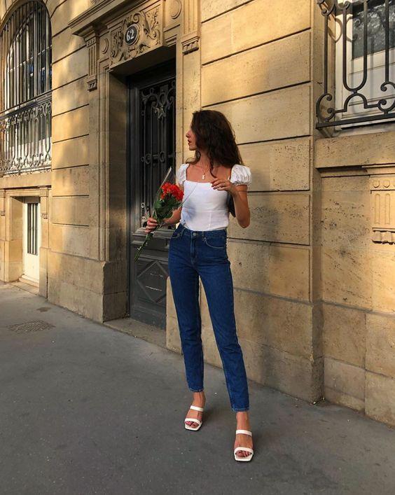 Alerta de tendência: Sandália de bico quadrado - Guita Moda | Ideias fashion, Roupas com camisa branca, Moda