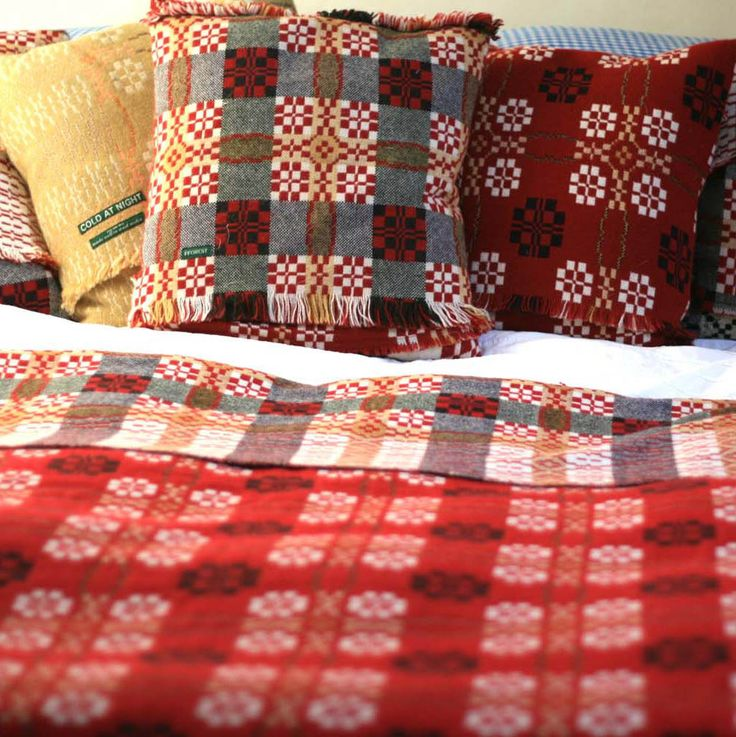 coldatnight Welsh blanket in Red — fforest