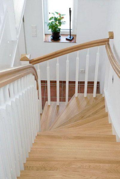 Маршевая поворотная лестница на косоуре с забежными ступенями