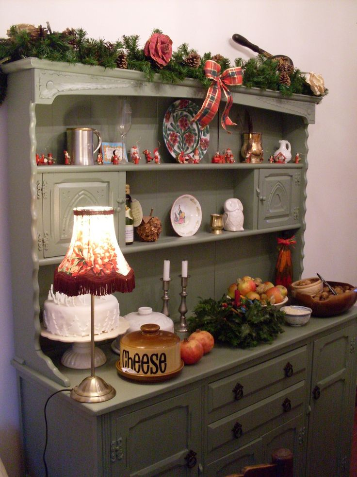 Simple (and free!) Welsh Dresser Makeover