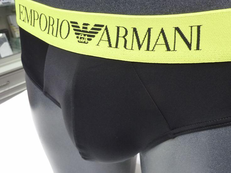 SLIP ARMANI de ropa interior, nuevo modelo de slip para hombre pensado como ropa interior o prenda de baño. Microfibra muy suave. Más en varelaintimo.com