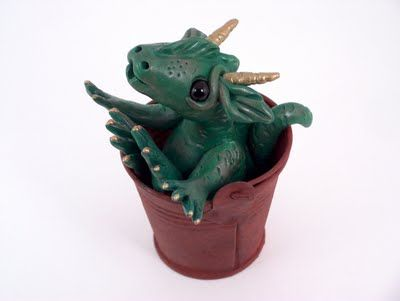 Wigglebutt's Dragon Baby Gallery//Aaaaw! I want this for my baby nursery! :)
