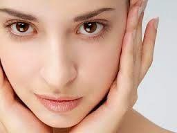 Wajah merupakan anggota tubuh yang sangat penting bagi sebagian orang terutama kaum wanita. Itu mengapa para wanita ini sangat peduli dan me...
