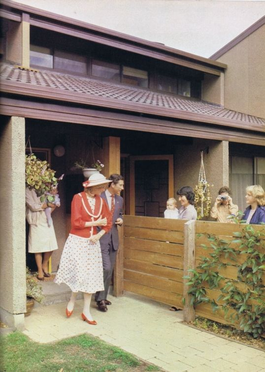 1983-04-14 Diana and Charles open the Paisley Estate in Altona, Melbourne