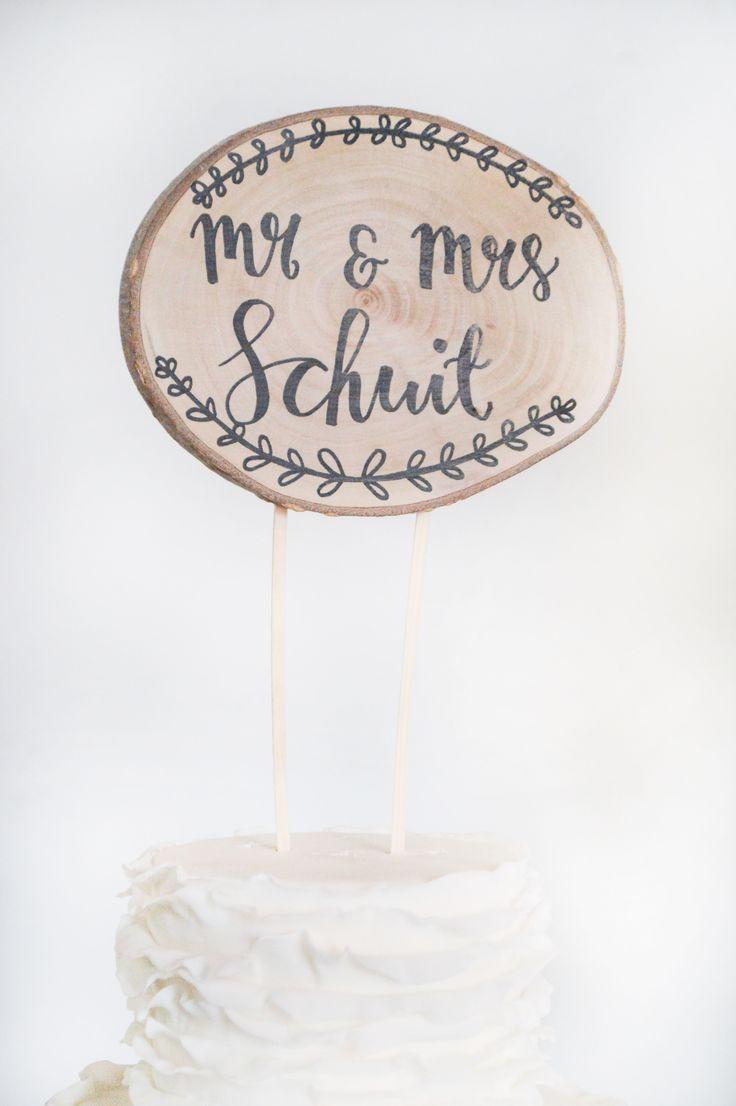 Caketopper - Mr & Mrs - Wood Slice - Weddingcaketopper - Personalized - €18,00  Shop hem hier op www.brisked.nl, de Nederlandse webshop voor gepersonaliseerde houten producten voor bruiloften.