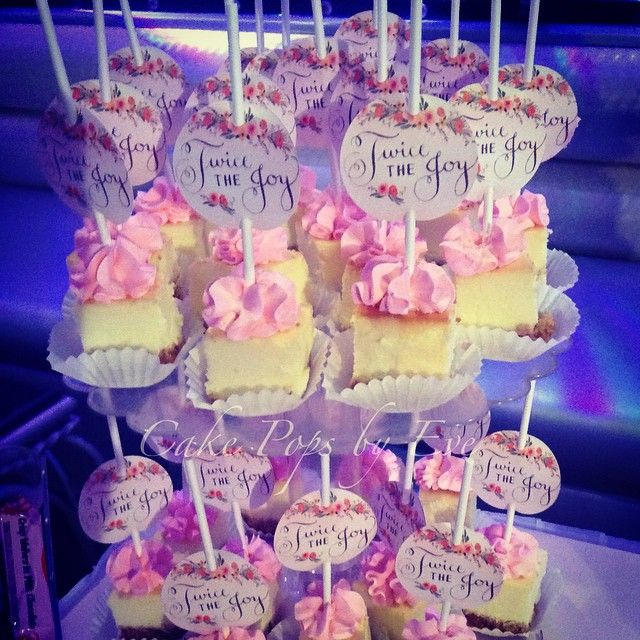 Instagram media cakepopsbyeve - #babyshower #party #partyfavor #dessert #desserttable #cheesecake #cheesecakebites #cakepopsbyeve