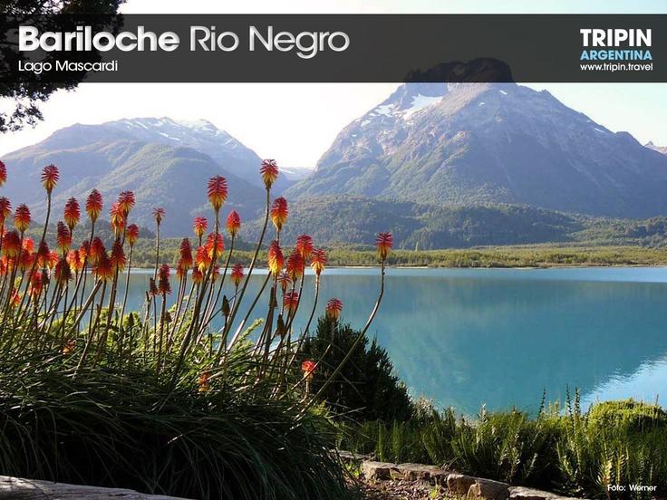 Mascardi Lake, close to the city of Bariloche. Know as the seven colors lake.  El lago Mascardi, cerca de la ciudad de Bariloche. Conocido también como el lago de los siete colores.