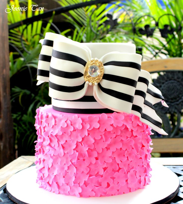 122 best Preppy Cakes Cupcakes and Sweets images on Pinterest