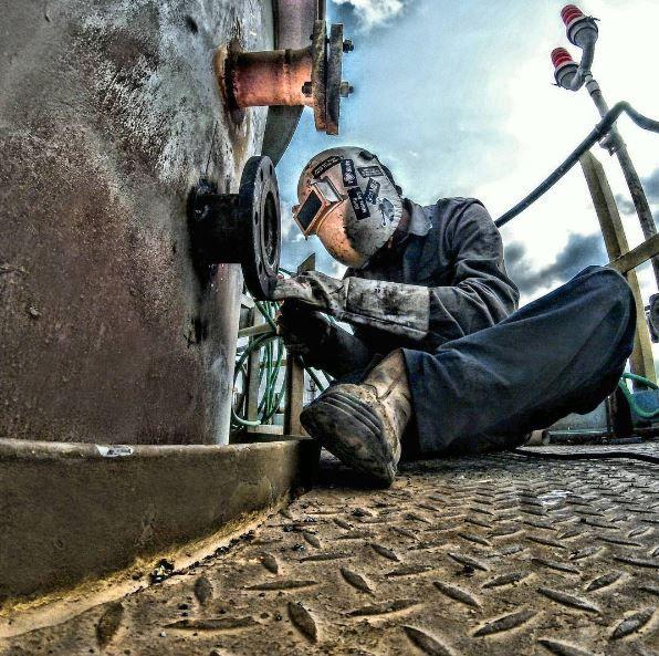 Photo by @vovkastarikov on #Instagram #westcoweld #ukwelding #welding #weld #welder #tigweld #stickweld #migweld #selfie #arczone #weldernation #weldporn