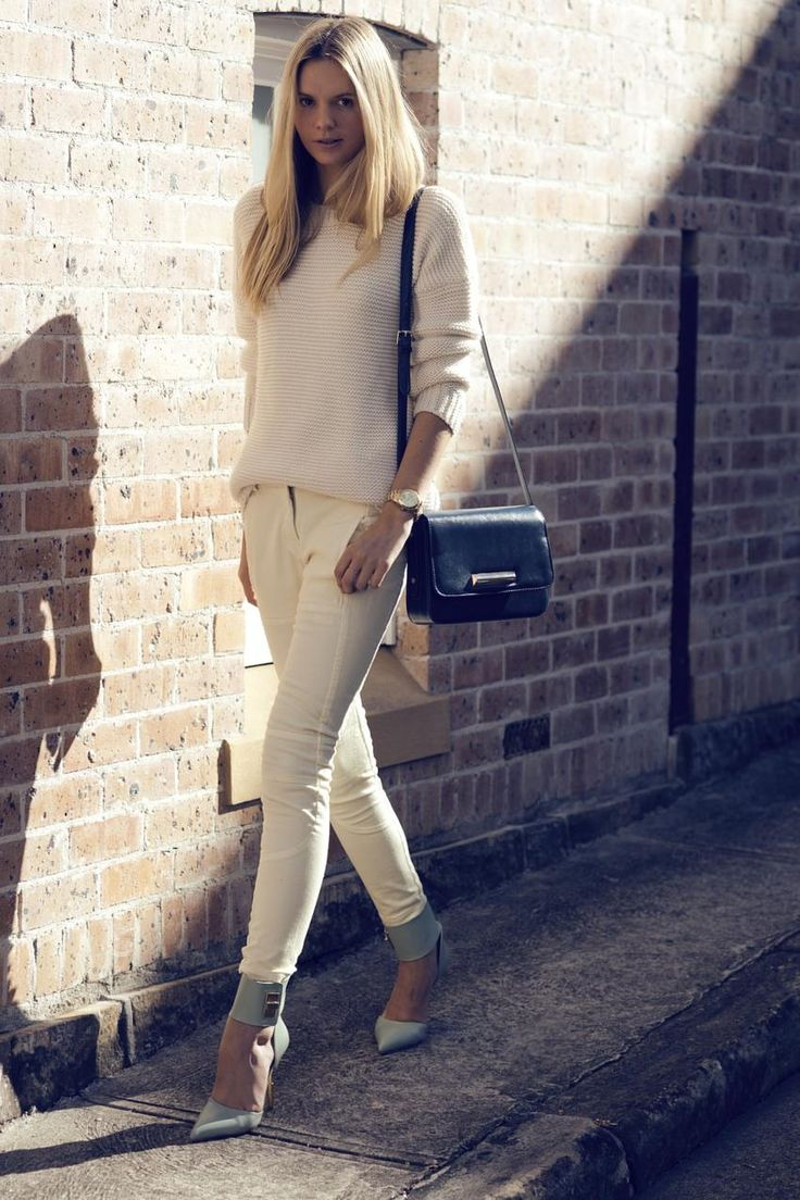 great outfit: Pastel, Fashion Shoes, Jessica Stein, Outfit, Handbags Michael Kors, Street Styles, Boyfriends Sweaters, Girls Fashion, Michael Kors Watches