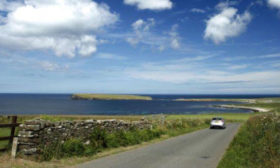 Travel around Scotland by car
