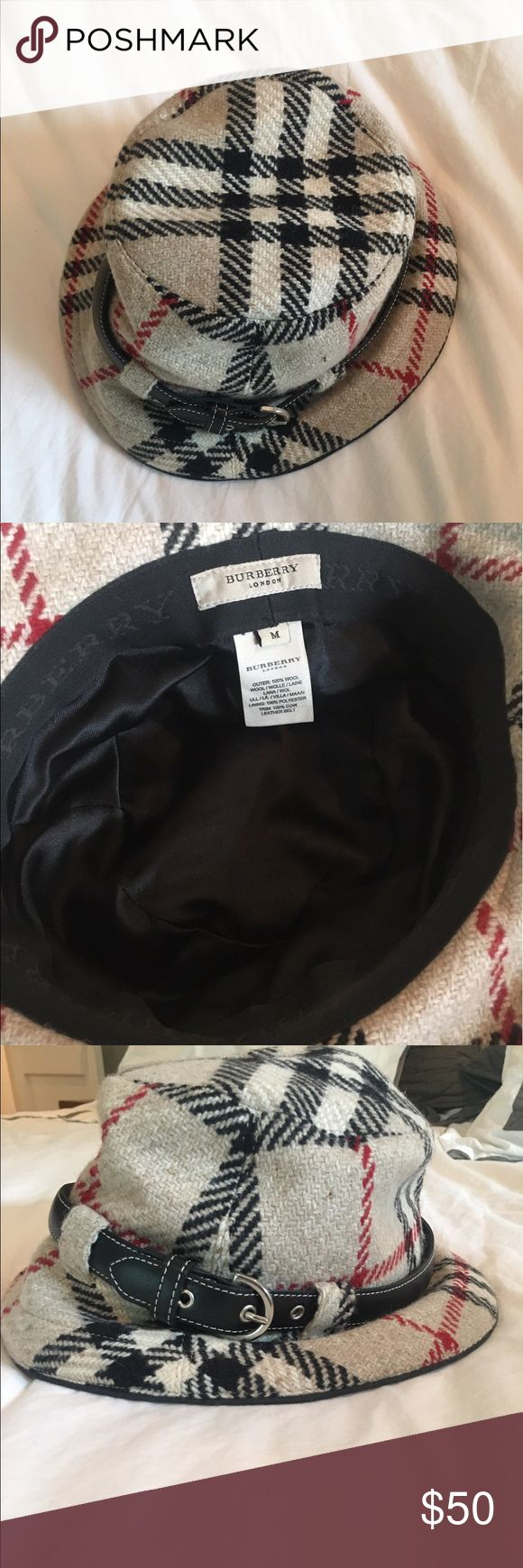Burberry plaid bucket hat Guaranteed authentic, size medium. A classic! Burberry Accessories Hats
