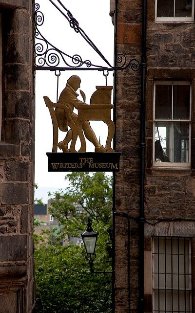 Writer's Museum, Edinburgh, Scotland (by alh1 on Flickr)