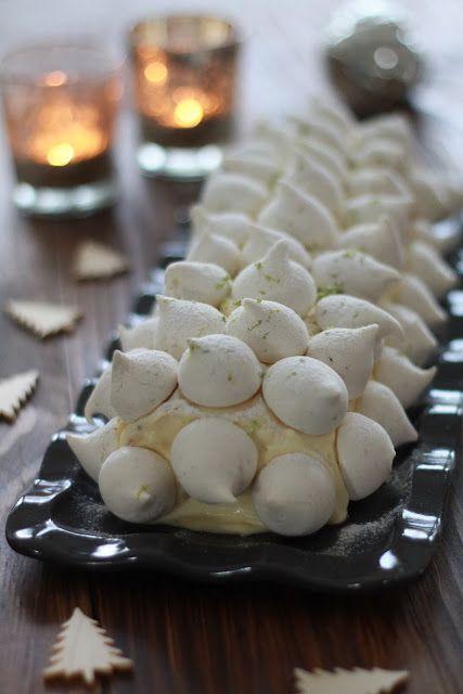 Bûche de Noel à la crème au citron et meringues à la verveine   On dine chez Nanou