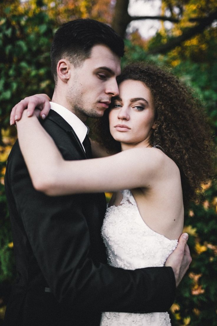 by Studio Obrazkowe / #love #weddingsession #couple #groom #bride #dress #weddingdress #wedding #light #fall #newlyweds #poland #curlyhair