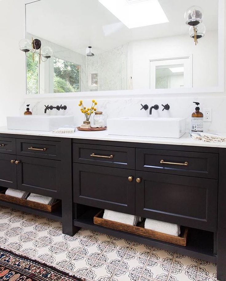 medallion bathroom cabinets 17 best ideas about medallion cabinets on mud 13611