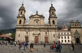 Resultado de imagen para plaza simon bolivar bogota