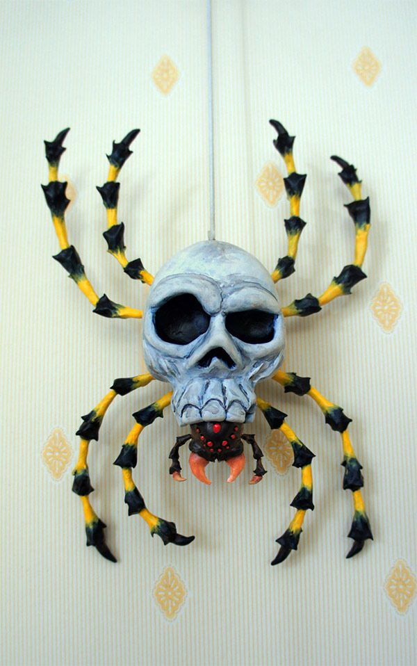The Legend of Zelda: Ocarina of Time – DIY big Skulltula spider. This is amazing!!!