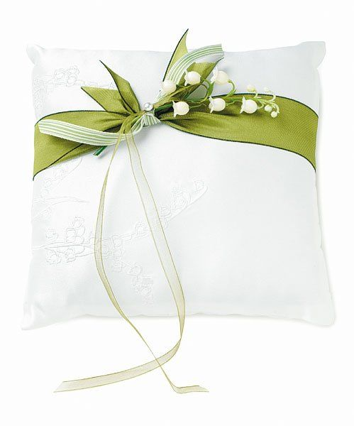 Lovely ring pillow with color accent ribbon and flowers.