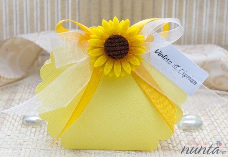 Cutiuta marturii floarea soarelui galbena.