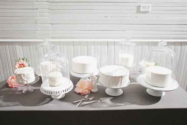 Single layer, elegant, white cakes. wedding-inspiration